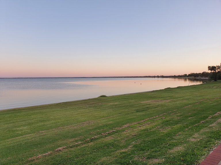 lake bonney 768x576